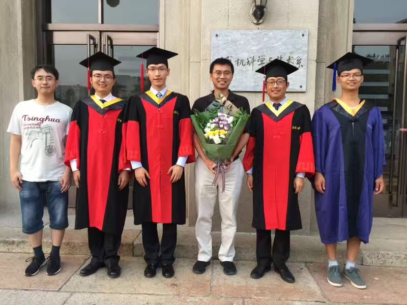 Congrats to Dr. Shenglin, Changhua, Mengyu; Master Shiwen; and Bachelor Wenxiao!