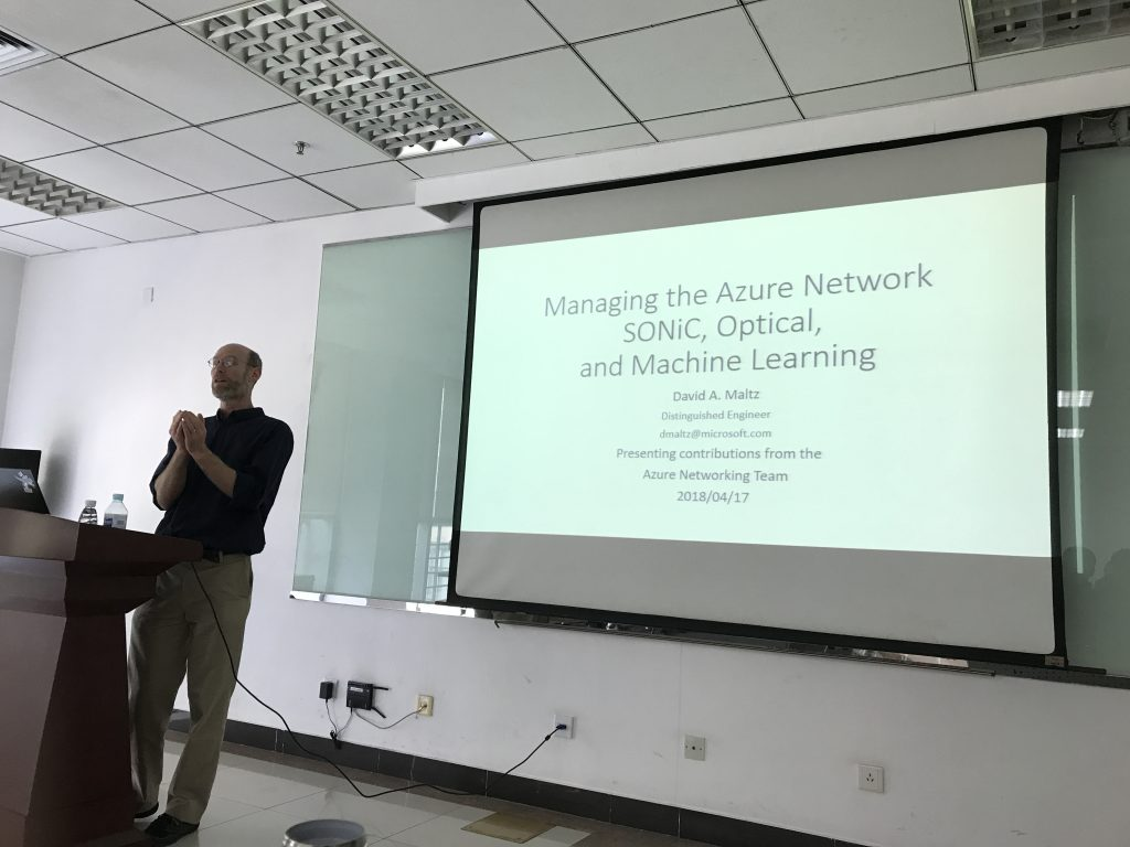 On Apr. 17th, we hosted the visit of Dr. David A. Maltz, who leads Azure's Physical Network team at Microsoft.